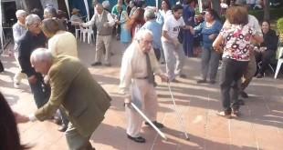 Kad starci prolupaju - stari djedica pleše