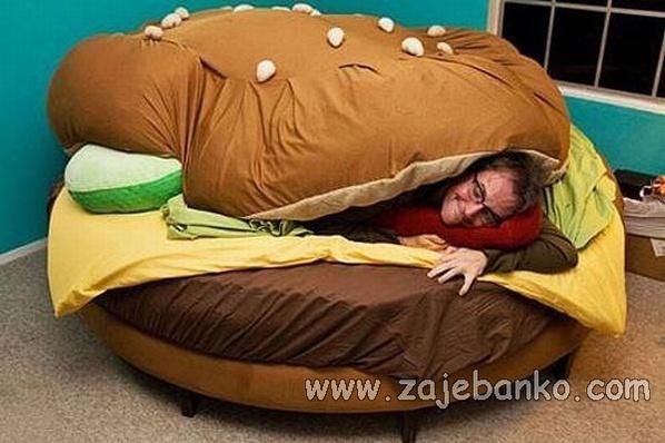 Transformacija običnih predmeta: Krevet u obliku hamburgera