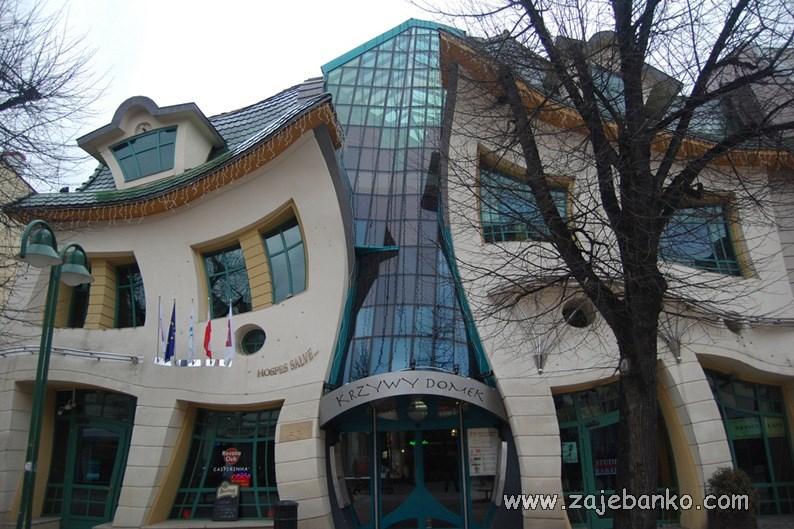 Zgrade i kuće neobičnog izgleda - Nakrivljena kuća