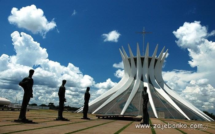 Fascinantne građevine kao turističke atrakcije - katedrala u Braziliji