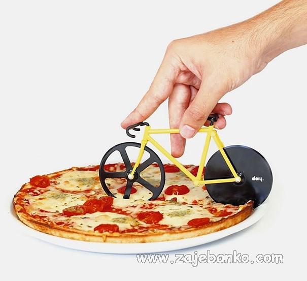 Neobična kuhinjska pomagala - rezač pizze
