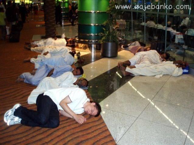 Smiješne slike ljudi dok spavaju