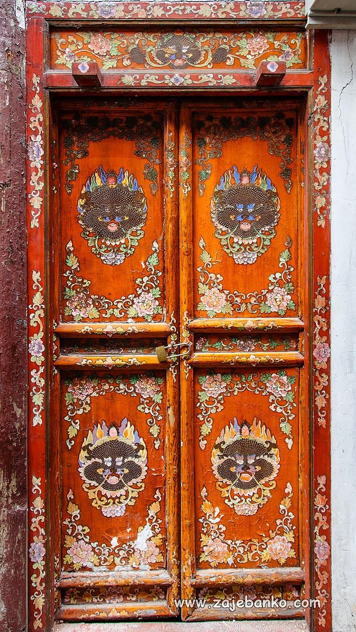 Magična stara vrata koja vode u drugu dimenziju - Page 2 of 2 - Zajebanko