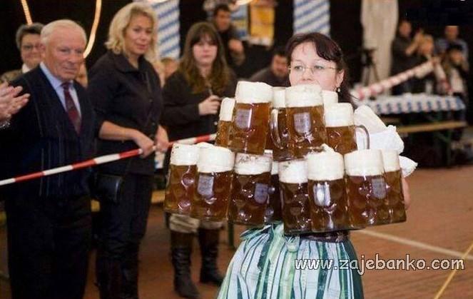 Savršene žene humor - donesi mi jedno pivce