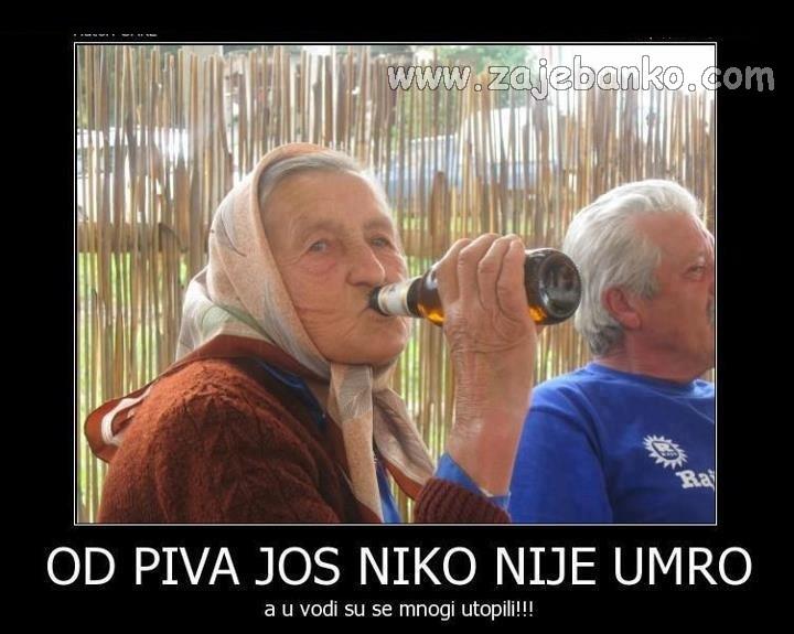 Smiješne slike stare žene - baba pije pivo